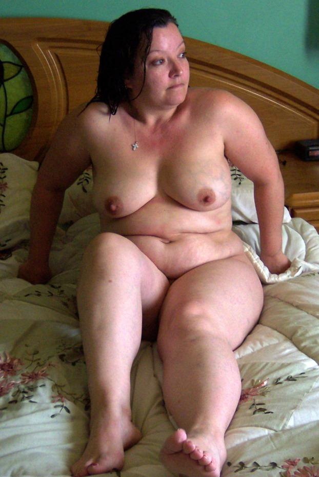 Chubby belly amateur MILF porn